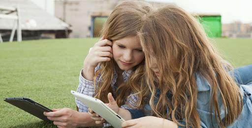 تحذير إدمان أولادك للهواتف الذكية يقودهم لهذه الاضطرابات