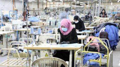 أكودة غلق مصنع واخضاع العاملات به الى الحجر الصحي الذاتي اثر ثبوت اصابة إحدى العاملات أصيلة سيدي بوعلي