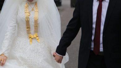 عريس ينهار فجأة ويدخل في نوبة بكاء أمام عروسه ليلة الدخلة..والسبب غريب…